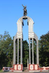 Memoriale Georgiy Pobedonosets - Statua Equestre