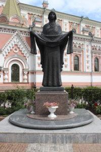 Scultura che vigila sulla Cattedrale