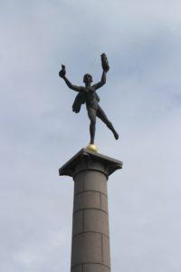 Statua al porto - dettaglio