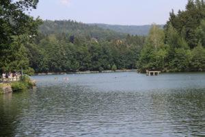Bacino Idrico di Liberec con bagnanti