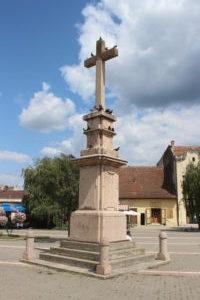 Croce Commemorativa in Trg Svetog Teresa Vrsackog