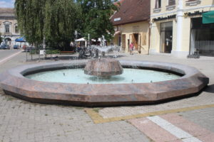 Fontana in Trg Svetog Teresa Vrsackog