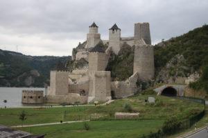 Fortezza di Golubac dal punto panoramico più basso