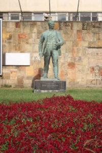 Monumento in onore di Zarko Zrenjanin