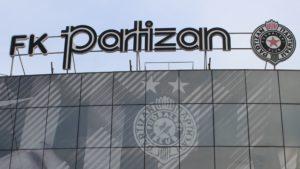 Stemma del Partizan Belgrado nel suo stadio