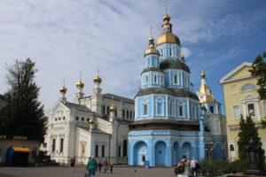 Tempio della Madre di Dio Ozeryanskoy e Pkrovsky Cathedral