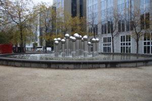 Fontana Pol Bury