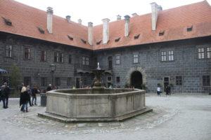Fontana del cortile del Castello