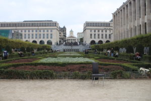 Monts des Arts - panoramica della piazza giardino