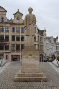 Statua della Regina Elisabetta del Belgio
