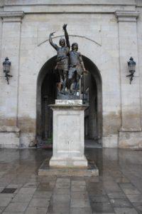 Statua di Indibil e Bandoni