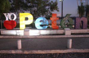 Classica scritta turistica della regione di Peten