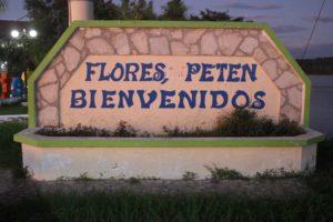 Flores dà così il benvenuto ai suoi ospiti