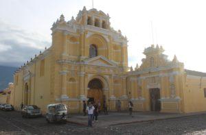 Iglesia San Pedro Apostol