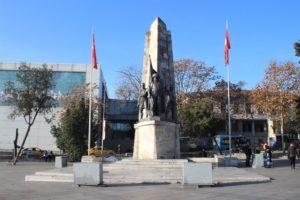Barbaros Hayrettin Pasha - la statua