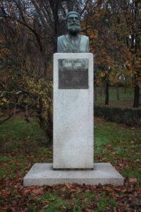 Monumento per Joaquin Costa