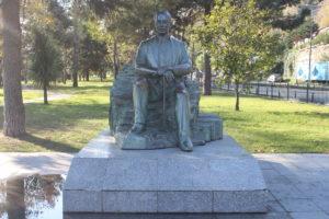 Statua per Cemil Topuzlu