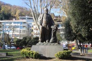 Statua per Fuzuli