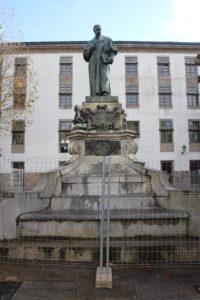 Statua per Montero Rios