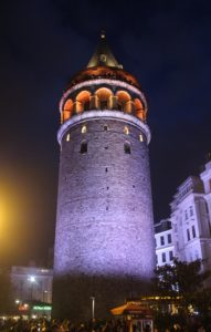 Torre di Galata - vista notturna