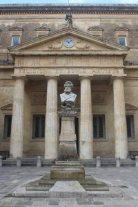 Statua di Giosuè Carducci