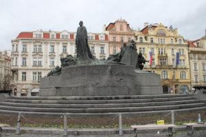 Monumento a Jan Hus - lato 1