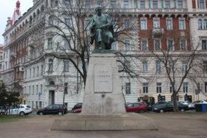 Monumento per Alois Jirasek