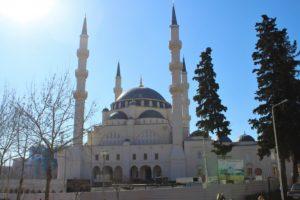 Namazgjah Mosque - fronte