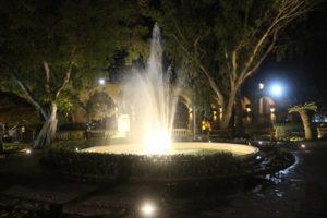 Fontana dell'Upper Barrakka Garden in notturna