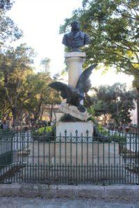 Mall Garden - statua 3