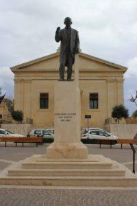 Statua per Gorg Borg Olivier