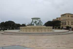 Triton Fountain - panoramica