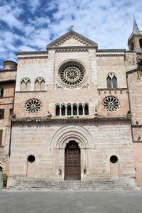 Cattedrale di San Feliciano - altro ingresso