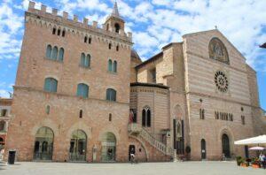 Cattedrale di San Feliciano - facciata