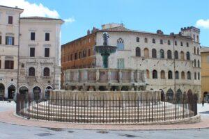 Fontana Maggiore - panoramica