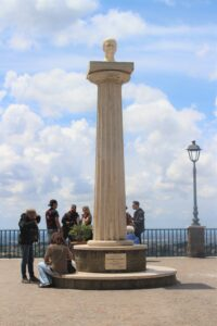 Obelisco per Giuseppe Mazzini