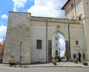 Porta Napoletana