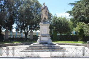 Statua per Nicolò di Liberatore