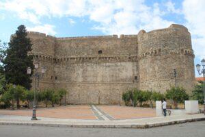 Castello Aragonese - 1