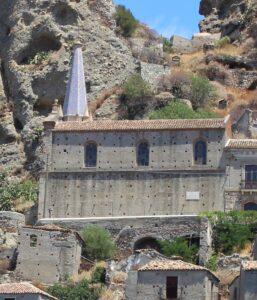 Chiesa dei Santi Pietro e Paolo - vista laterale