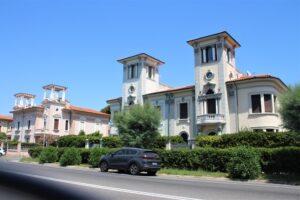 Esempi di Ville Liberty in Viale Italia