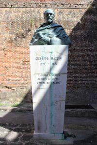 Fortezza Nuova - Statua di Giuseppe Mazzini