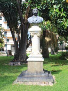 Monumento a Domenico Tripepi