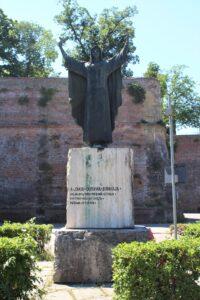 Monumento per Santa Caterina Benincasa