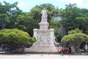 Statua per Giuseppe de Nava