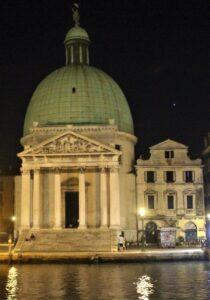 Chiesa di San Simeon Piccolo di sera