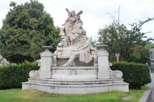 Monumento a Ferdinand Raimund