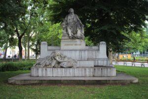Monumento a Johannes Brahms