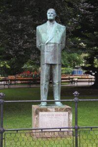 Monumento a Theodor Korner