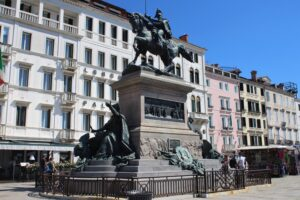 Statua Equestre a Vittorio Emanuele II°